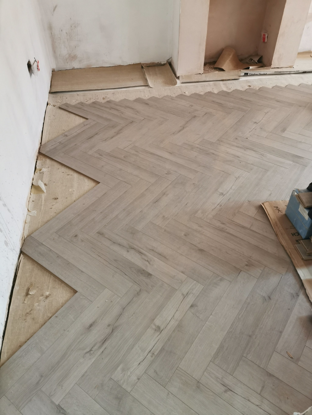 Fitting Herringbone Laminate Flooring  - #6