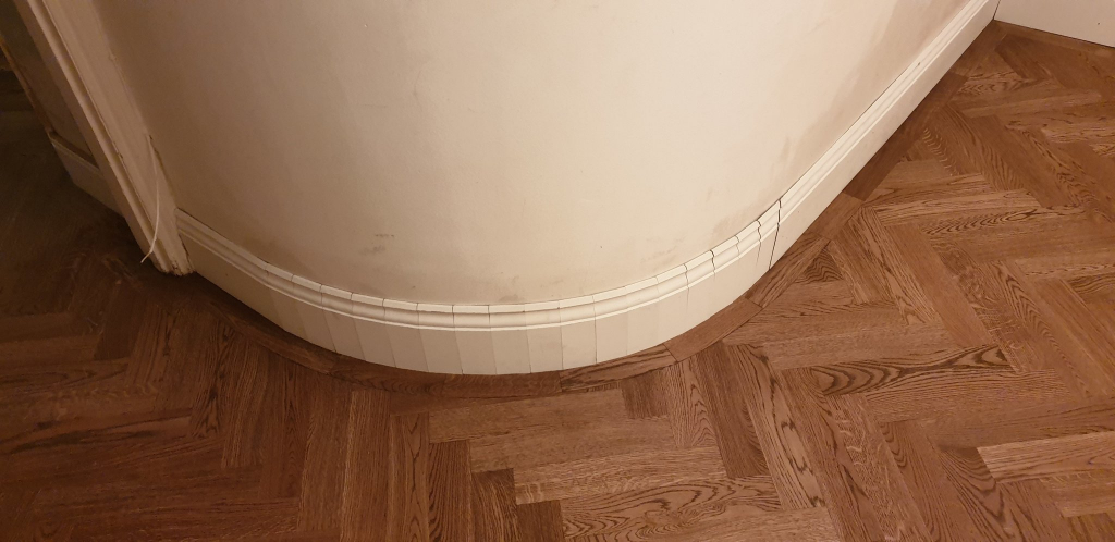 Round Wall Skirting Board Fitting before Painting - #4